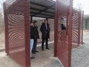 Дизайнерские площадки для мусорных контейнеров установили в Сормове
