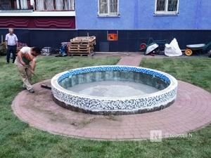 Фонтан установили у себя во дворе жители Нижнего Новгорода