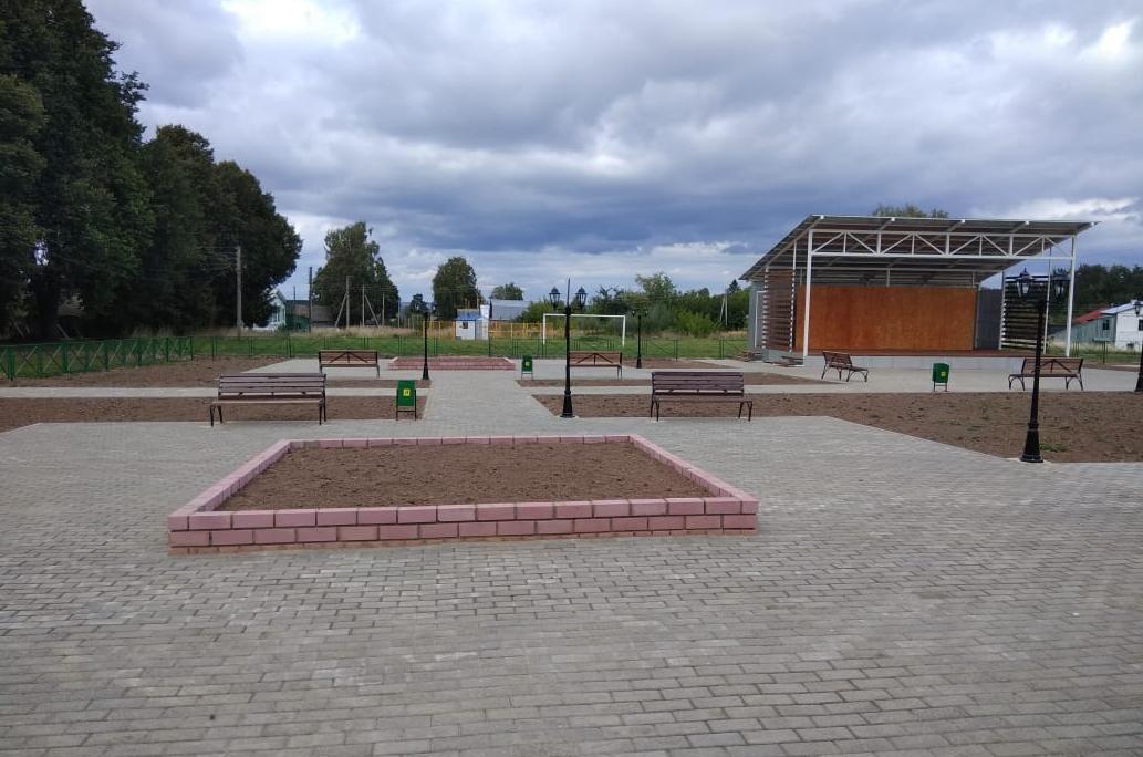 Сцена и игровая зона появились на главной площади Васильсурска - фото 1