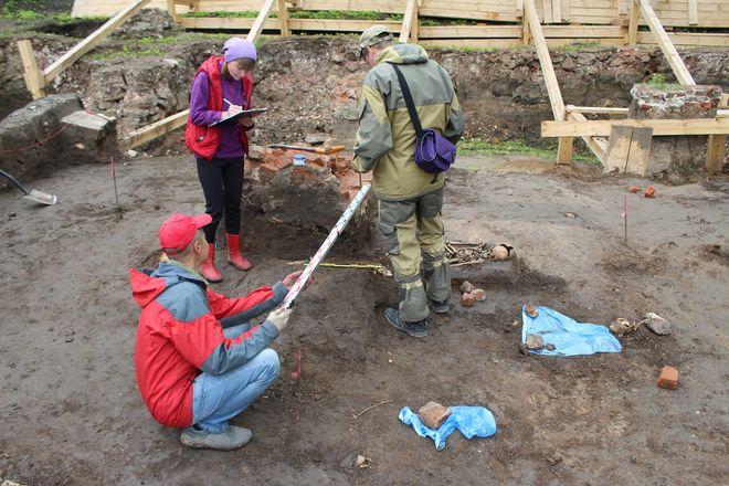Новые находки на старом кладбище: что обнаружили археологи в Нижегородском кремле - фото 22