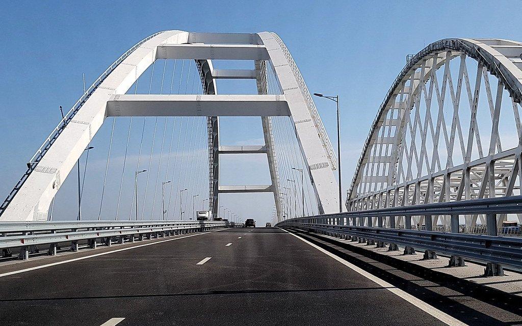 Названа дата запуска движения поездов по Крымскому мосту - фото 1