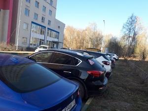 Законно ли парковаться под окнами домов и какой штраф грозит за нарушения