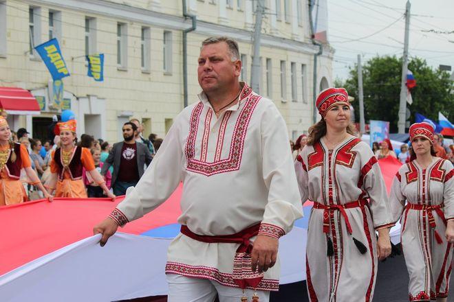 Фестивали духовых оркестров и Дружбы народов прошли в Нижнем Новгороде в День России - фото 20