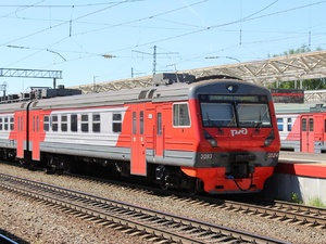 Восемь поездов задержались на Горьковской железной дороге из-за урагана