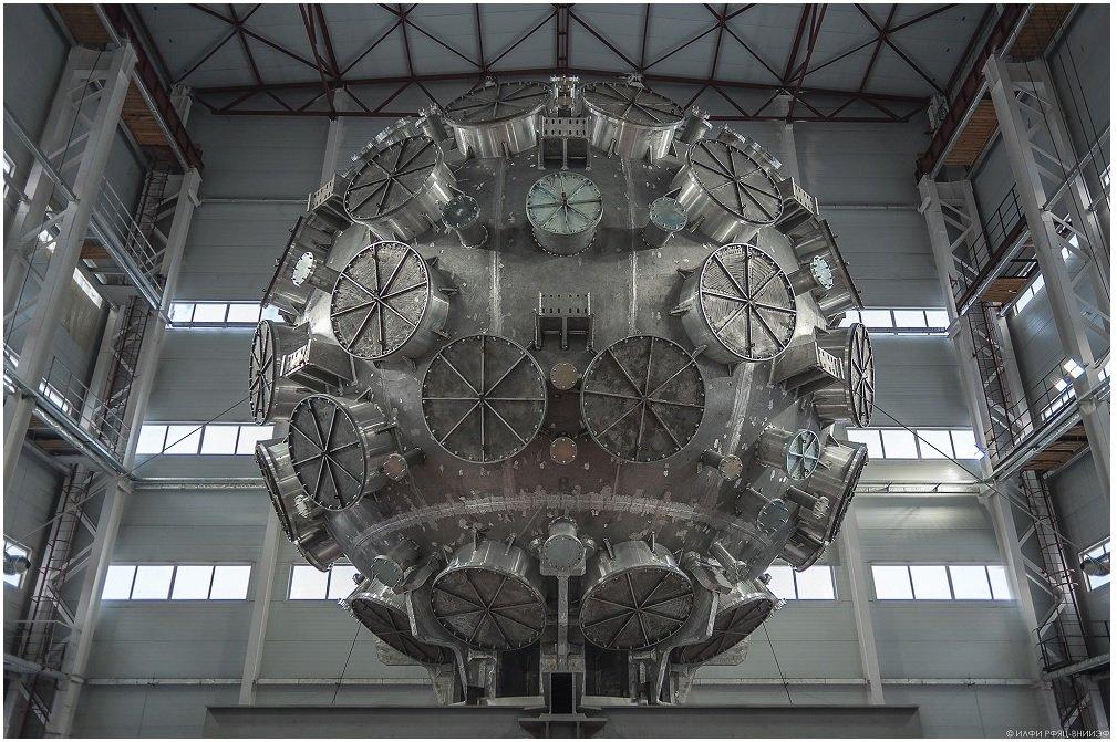 Самый мощный лазер в мире запустят в Сарове к 2022 году - фото 1