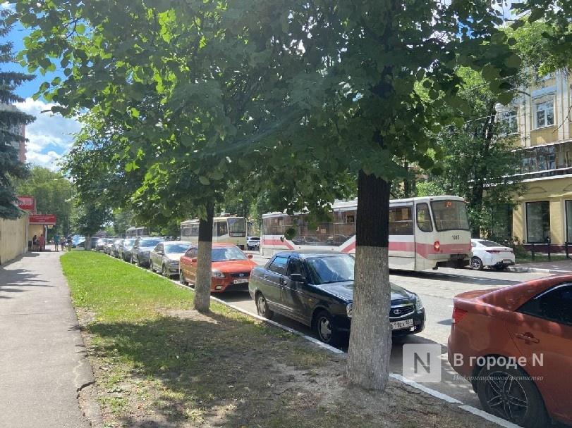 Движение трамваев остановилось на улице Ошарской из-за ДТП - фото 1