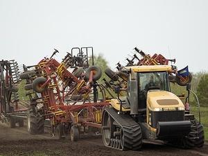 Нижегородским аграриям перечислят более одного миллиарда рублей на посевные работы