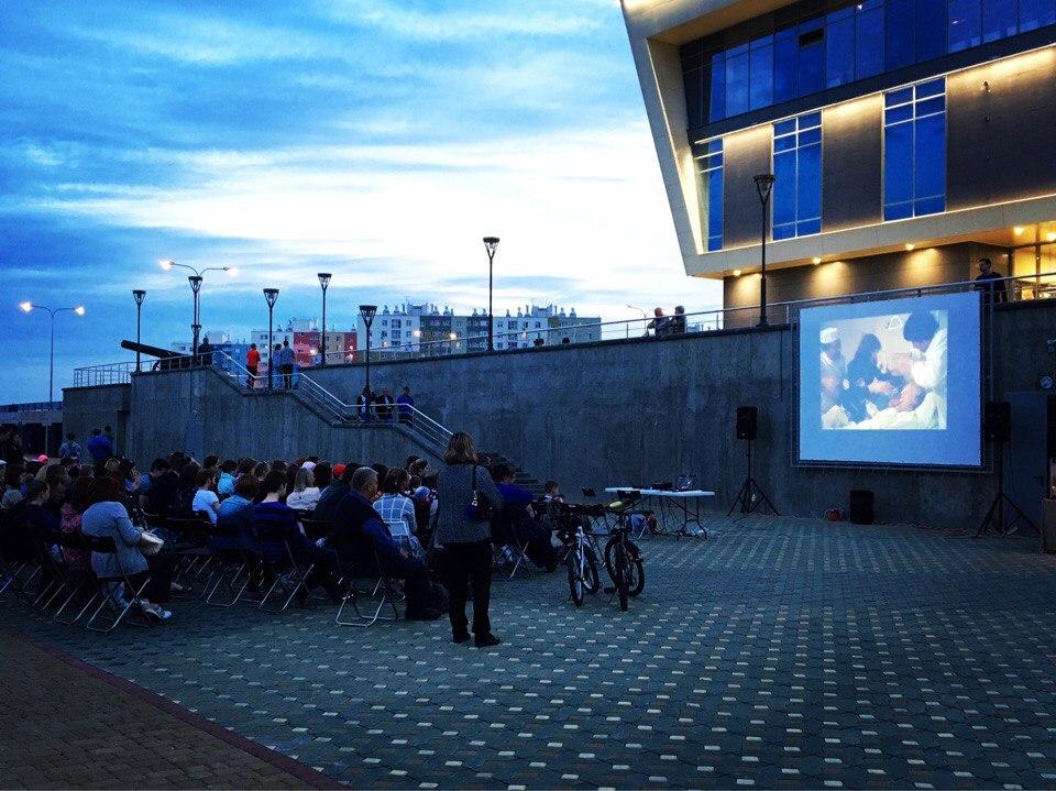 Фильм «Полосатый рейс» покажут воткрытом кинозале на автомобильном заводе
