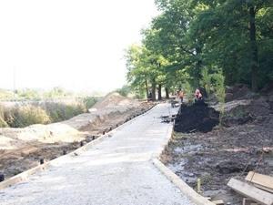 Панов проинспектировал работы по благоустройству Щелоковского хутора