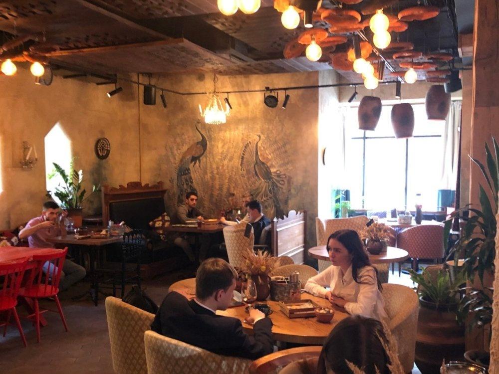 Нехватку антисептиков и курение кальянов зафиксировали в нижегородских кафе - фото 1