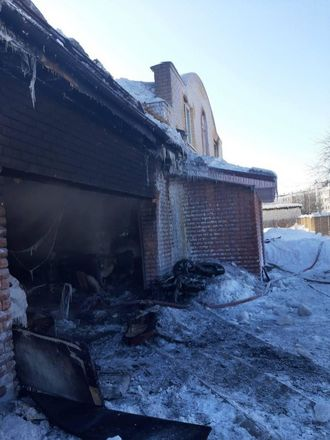 Двух мальчиков вытащили росгвардейцы из горевшего дома в Кстовском районе - фото 4