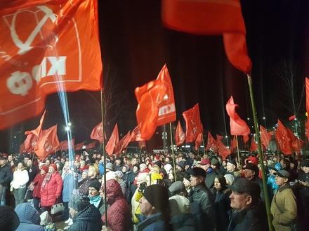 Жители Балахны провели вечерний митинг против строительства низконапорного гидроузла